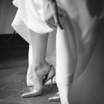 Boda Alicia y Ariel - Novia poniendo zapato - Santiago Stankovic Fotógrafo