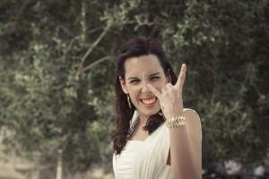 Boda Marina y Jaime - Novia saludando - Santiago Stankovic Fotógrafo