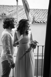 Boda Marina y Jaime - Novios en balcón - Santiago Stankovic Fotógrafo
