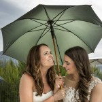 Boda de Sara & Victoria - Novias con parasol - Santiago Stankovic Fotógrafo