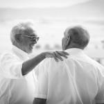 Boda Marina y Jaime - Hombres charlando - Santiago Stankovic Fotógrafo