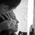 Boda Marina y Jaime - Novia maquillándose - Santiago Stankovic Fotógrafo
