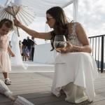 Boda de Sara & Victoria - Novia con niña - Santiago Stankovic Fotógrafo