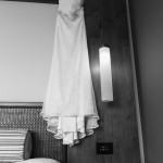 Boda de Sara & Victoria - Vestido colgado - Santiago Stankovic Fotógrafo